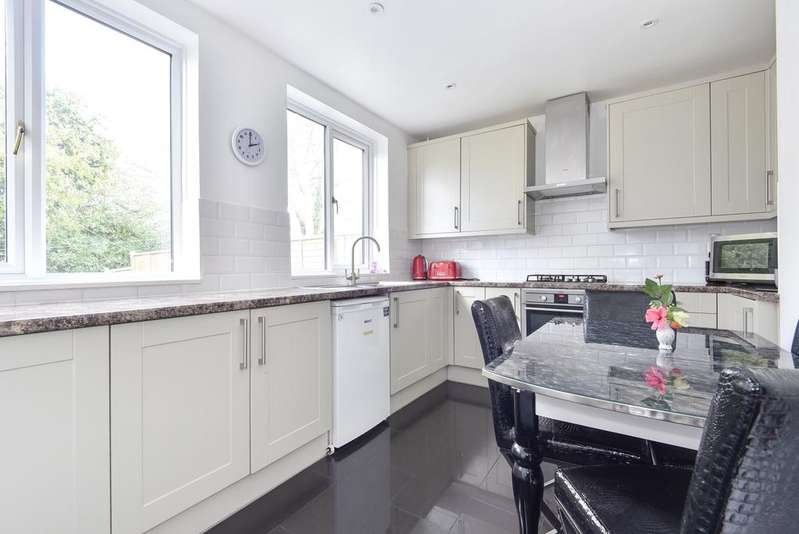 3 Bedrooms Terraced House for sale in Grizedale Terrace Forest Hill SE23