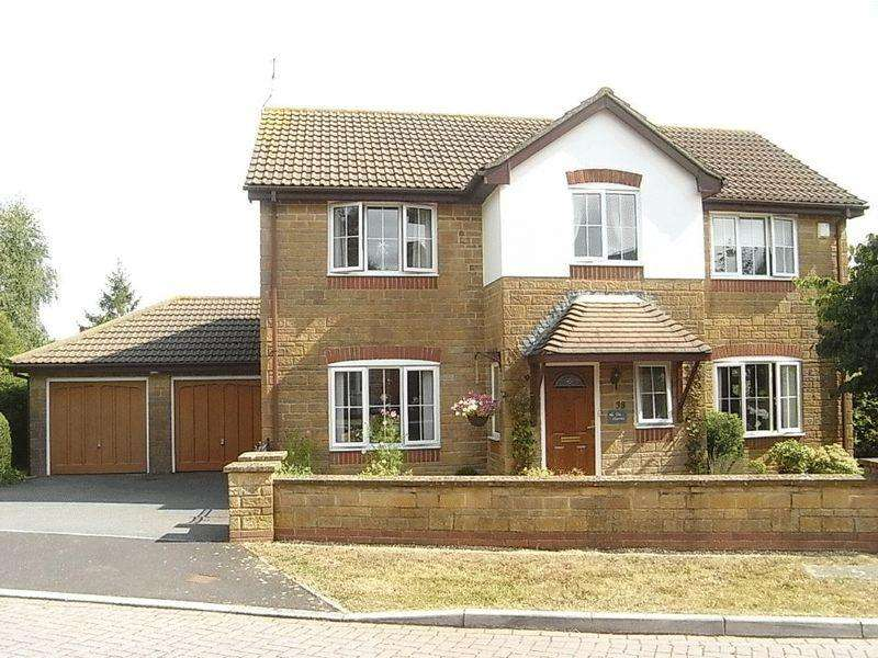 4 Bedrooms Detached House for sale in Packers Way, Misterton, Crewkerne