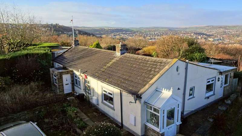 3 Bedrooms Detached Bungalow for sale in 18 20 Church Lane, Elland HX5 9QB