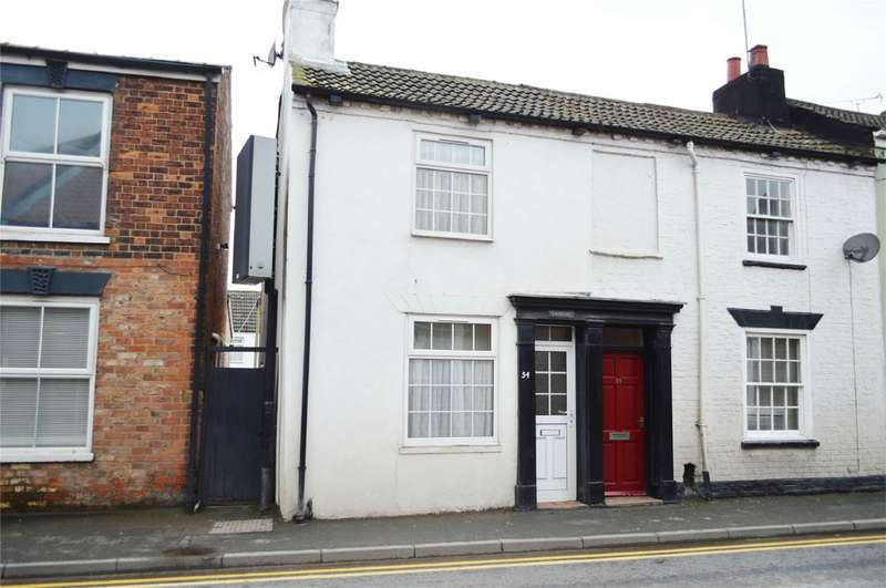 2 Bedrooms Terraced House for sale in 54 Southgate, Hornsea, East Riding of Yorkshire