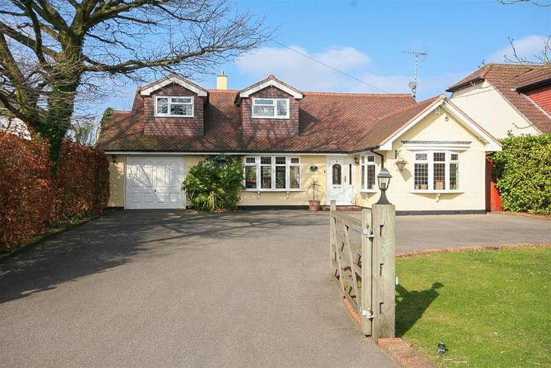 5 Bedrooms Detached House for sale in Hook End