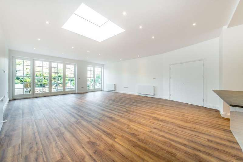 3 Bedrooms Flat for rent in Queens Avenue, Muswell Hill, N10