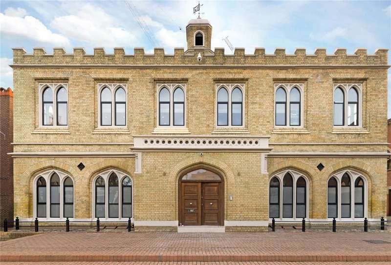 3 Bedrooms Flat for sale in The Old Blue School, Lower Square, Old Isleworth, TW7