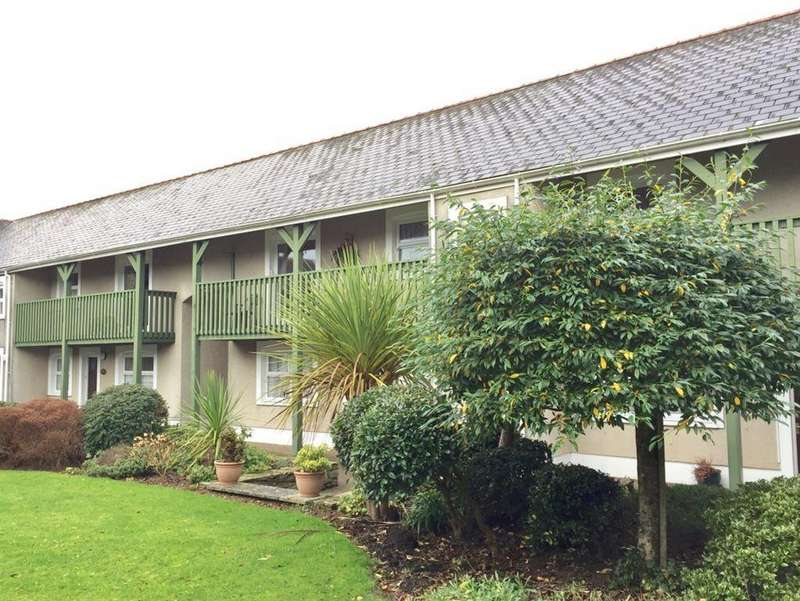2 Bedrooms Flat for rent in Cawdor Court, Narberth, Pembrokeshire