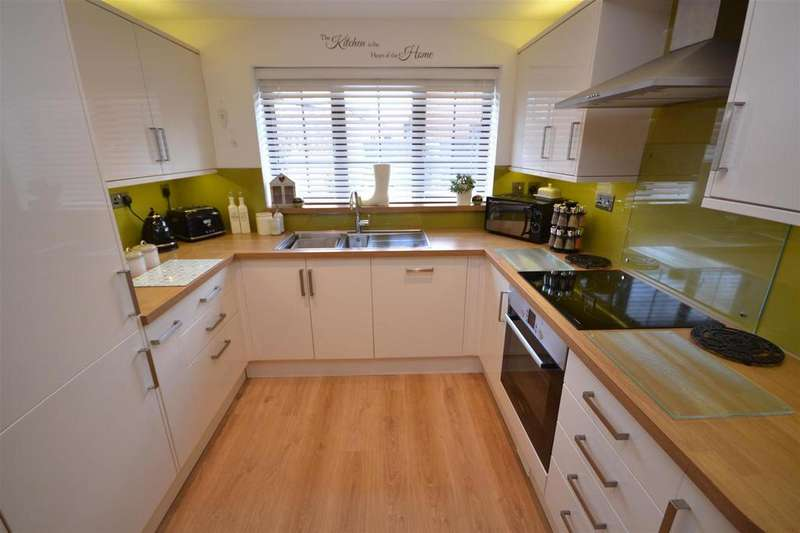 4 Bedrooms Detached House for sale in Bicknacre