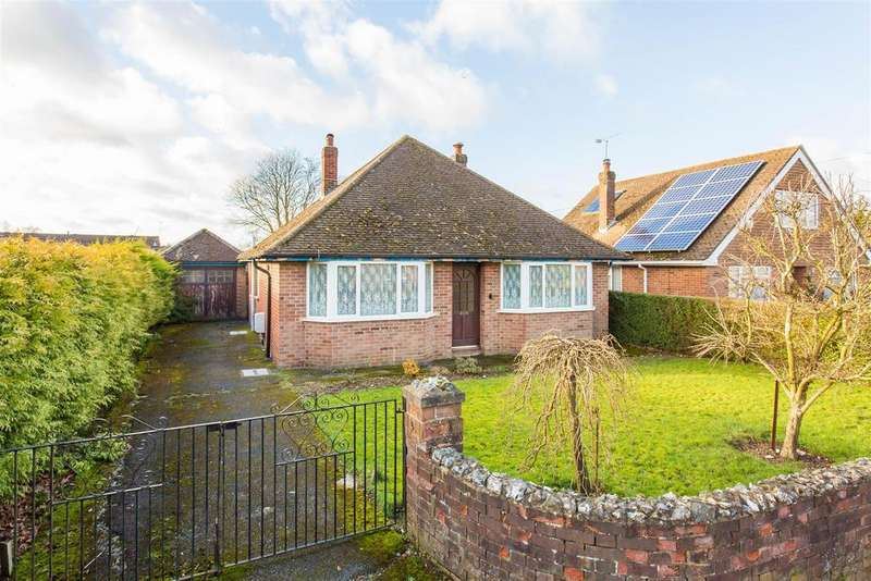 3 Bedrooms Detached Bungalow for sale in Hornbeam Close, High Wycombe | NO CHAIN