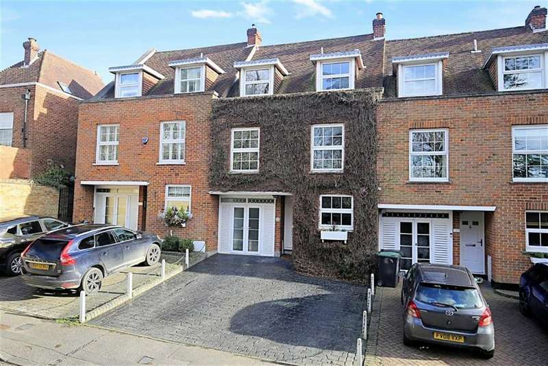 3 Bedrooms Terraced House for sale in Theydon Grove, Epping