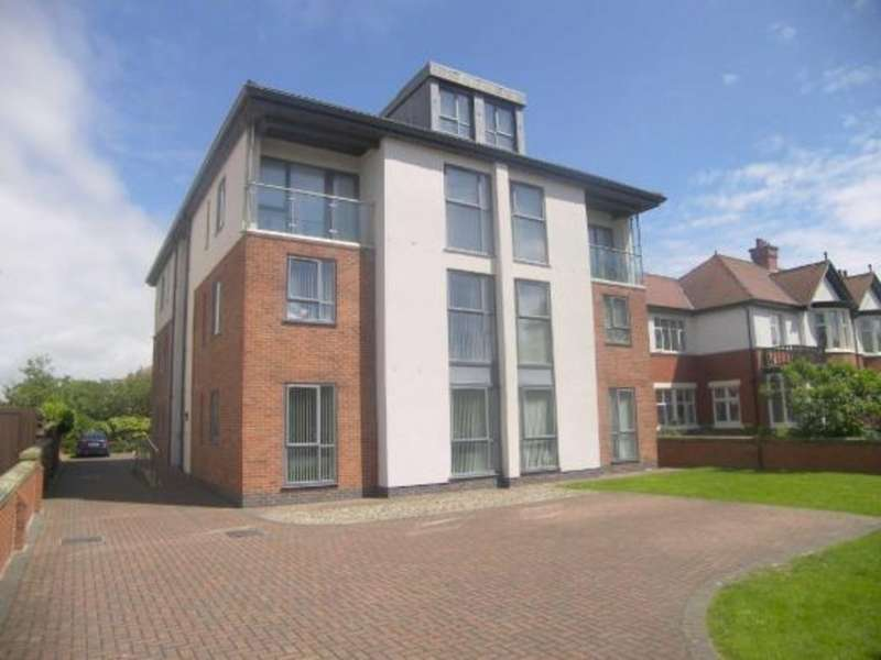 3 Bedrooms Apartment Flat for sale in Charleston House FY4