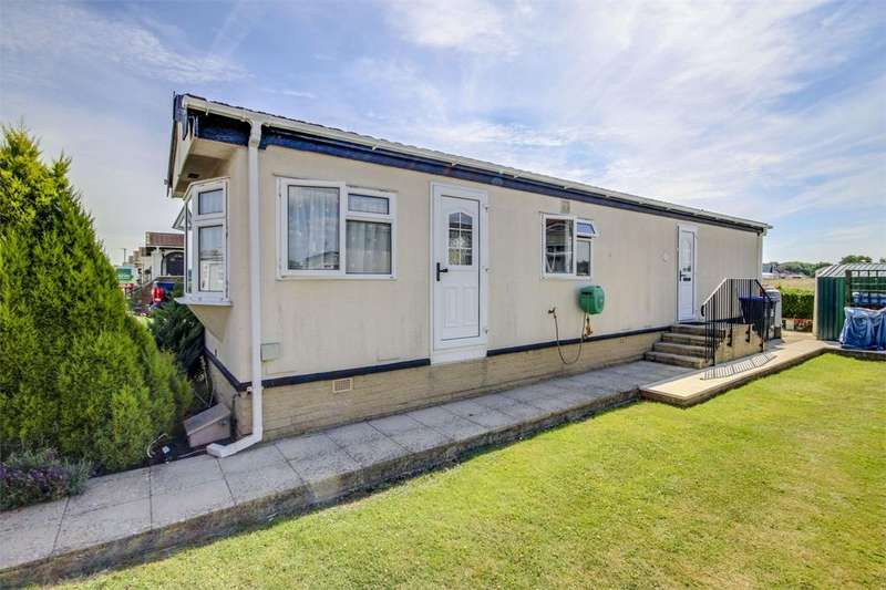 2 Bedrooms Park Home Mobile Home for sale in Haigh Close, The Broadway, LANCING, West Sussex