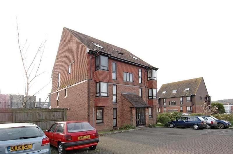 Studio Flat for sale in Meon Close, Petersfield GU32