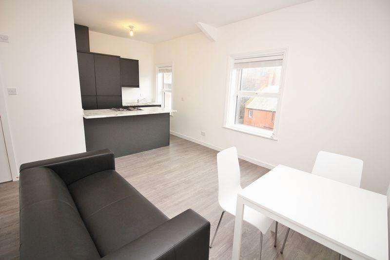 2 Bedrooms Apartment Flat for rent in Stanley Street, Southport