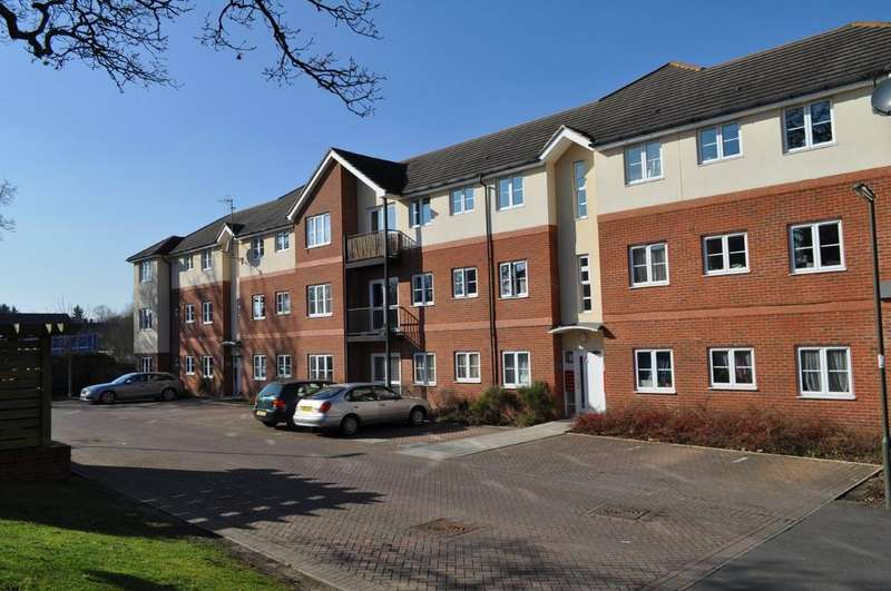 2 Bedrooms Apartment Flat for sale in School Meadow, Guildford