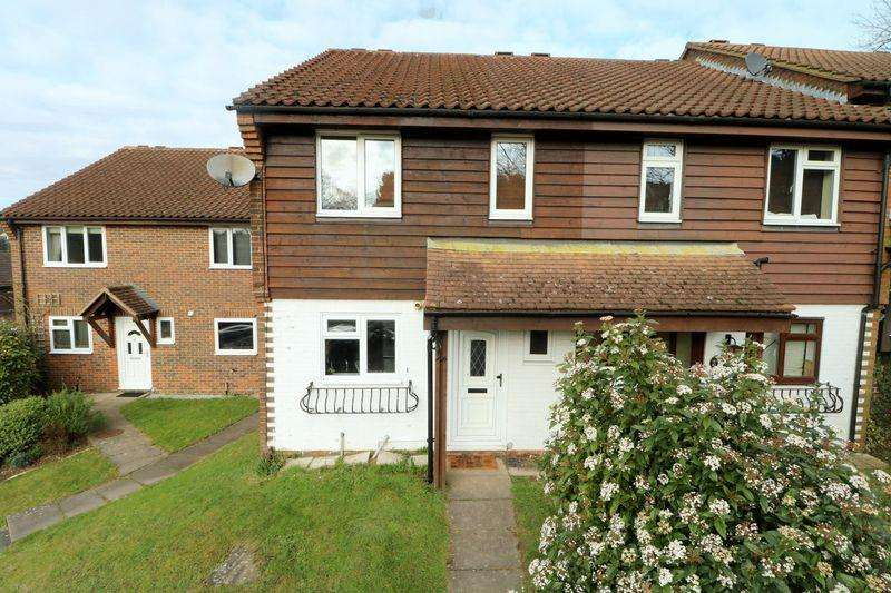 3 Bedrooms Terraced House for sale in Aveling Close, Purley