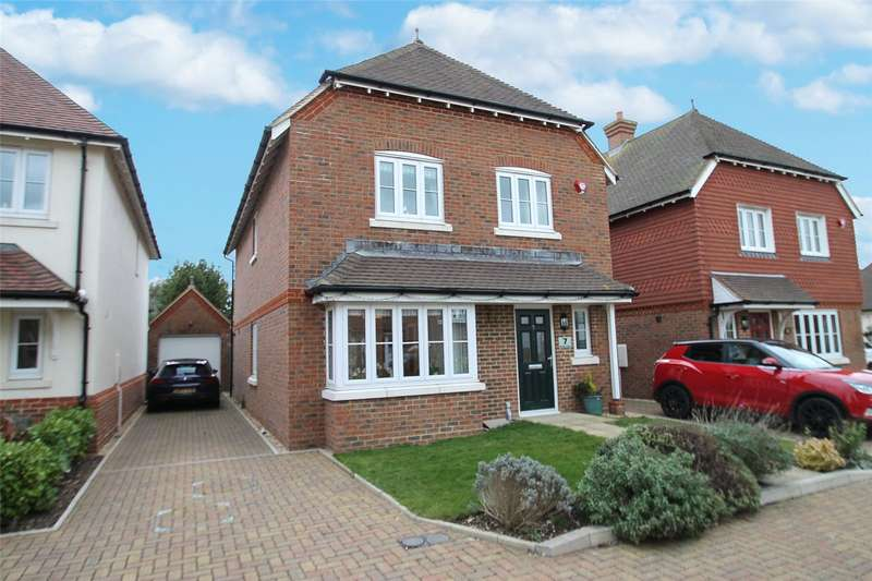 4 Bedrooms Detached House for sale in Beltane Close, East Preston, West Sussex, BN16