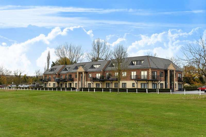 1 Bedroom Flat for sale in Abridge Road, Chigwell, IG7