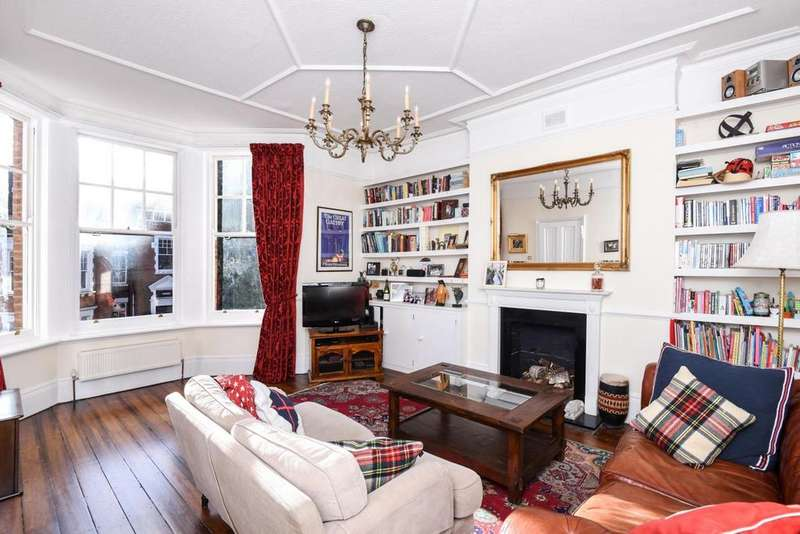 3 Bedrooms Flat for sale in Jacksons Lane, Highgate