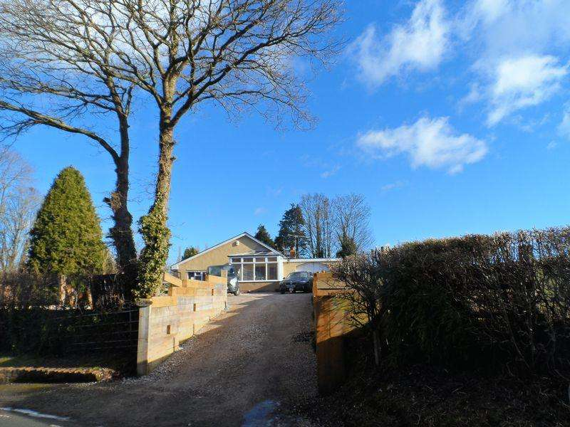3 Bedrooms Detached Bungalow for sale in Talwrn Road, Wrexham