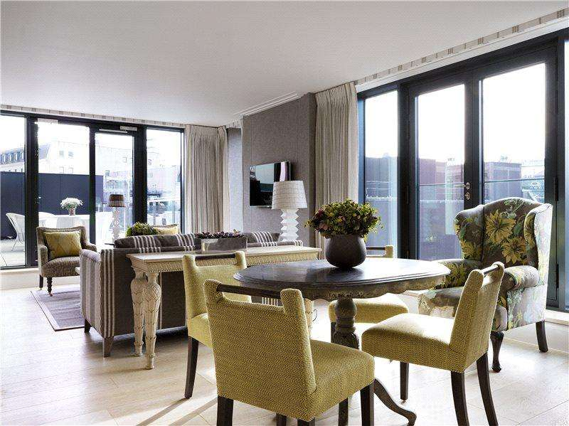 3 Bedrooms Flat for rent in Denman Place, London, W1D