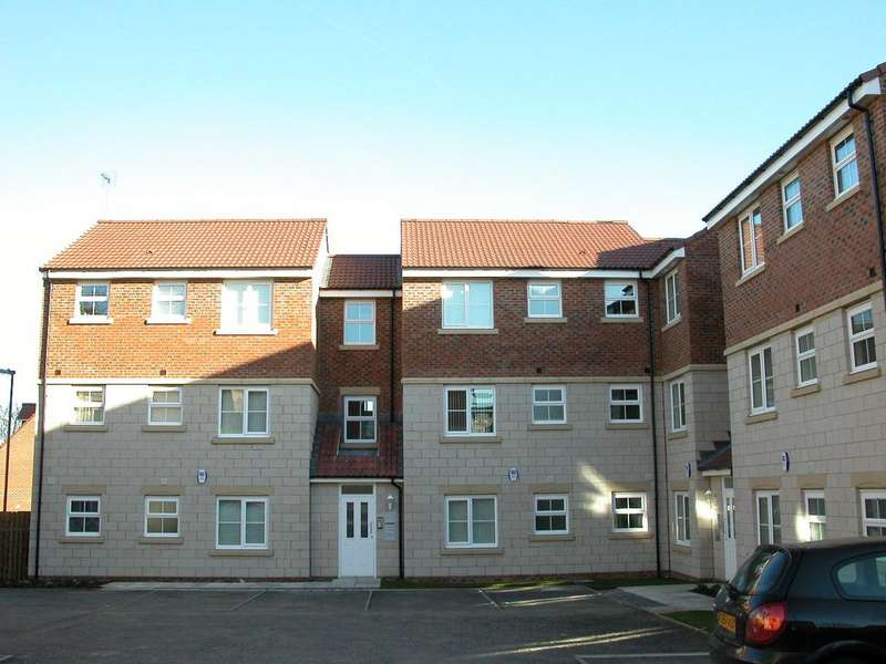 2 Bedrooms Ground Flat for rent in Highfield Rise, Chester Le Street, Durham DH3