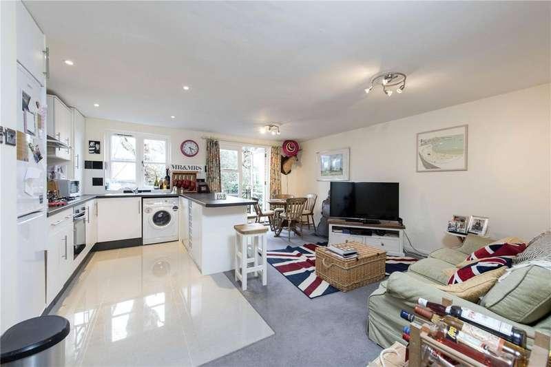 1 Bedroom Flat for sale in Brompton Park Crescent, London, SW6