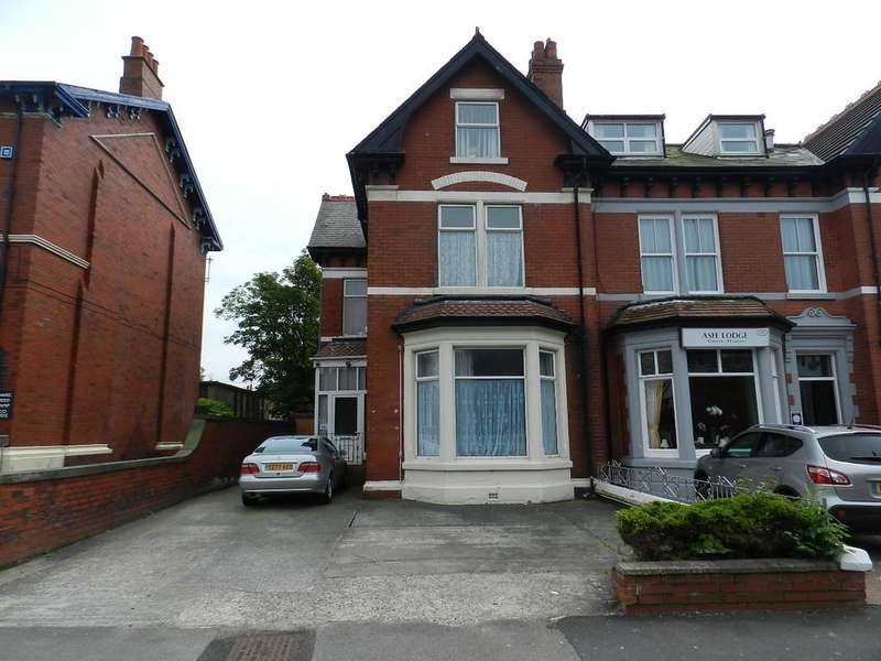 15 Bedrooms Semi Detached House for sale in Hornby Road, Blackpool