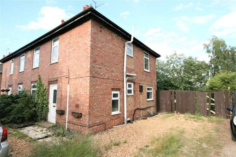3 Bedrooms Semi Detached House for sale in Broadgate, Sutton St Edmund, PE12