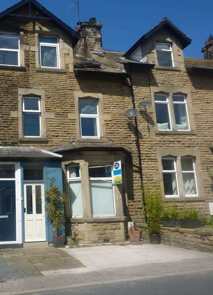 3 Bedrooms Terraced House for sale in 2 Victoria Buildings, Low Bentham