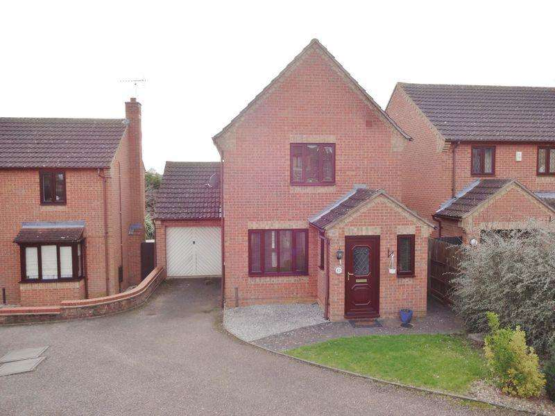 3 Bedrooms Detached House for sale in Little Meadow, Great Oakley