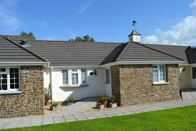 2 Bedrooms Terraced Bungalow for sale in Swimbridge Court, Swimbridge, Barnstaple