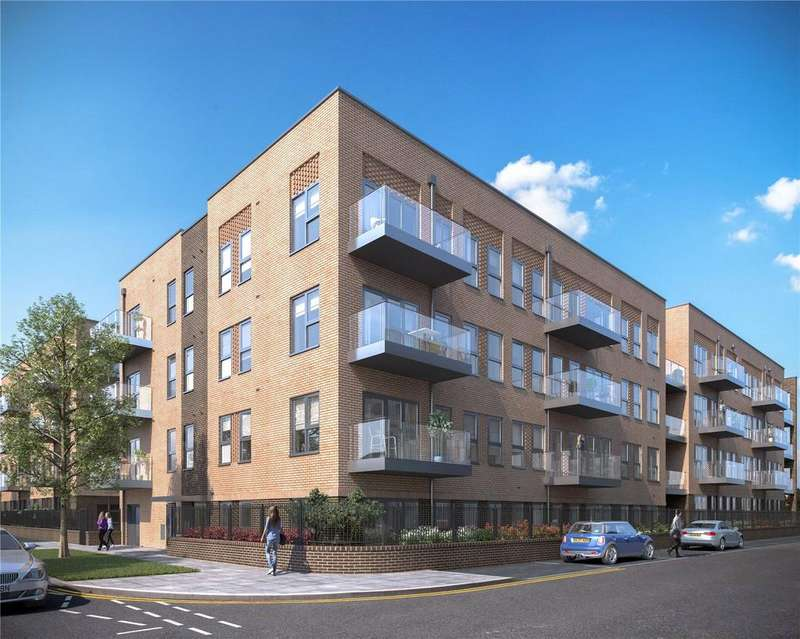 2 Bedrooms Apartment Flat for sale in Oxhey Drive, South Oxhey, Watford, Herts, WD19
