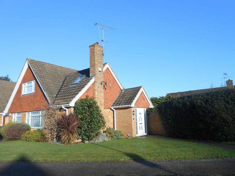 4 Bedrooms Bungalow for rent in Brackenforde, Langley