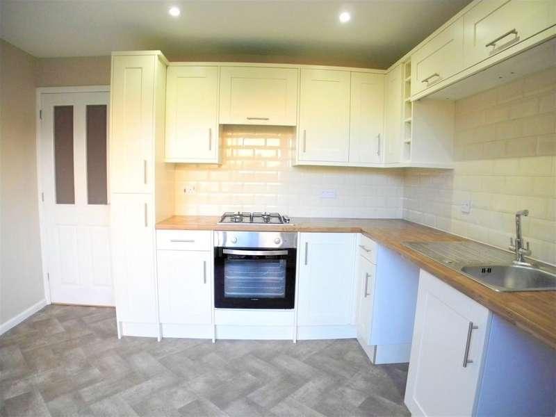 2 Bedrooms Semi Detached House for rent in Gunton Road, Loddon