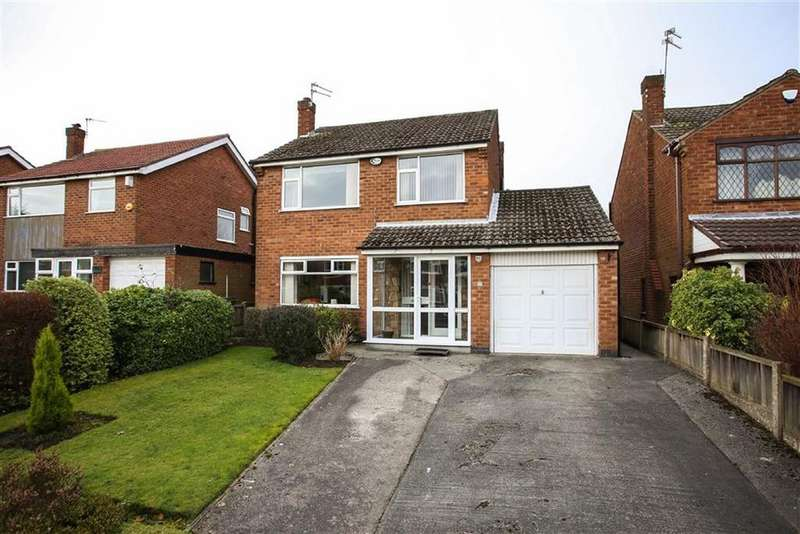 3 Bedrooms Detached House for sale in Buckingham Road West, Heaton Moor