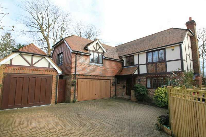 5 Bedrooms Detached House for sale in 2 Ridgewood Gardens, HASTINGS, East Sussex