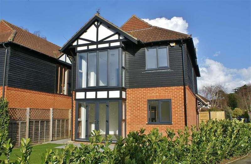 4 Bedrooms Detached House for sale in Cedar Road, Cobham, Surrey, KT11