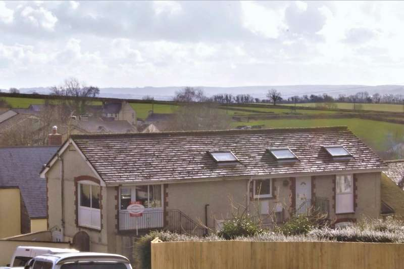 2 Bedrooms Apartment Flat for sale in Bere Alston