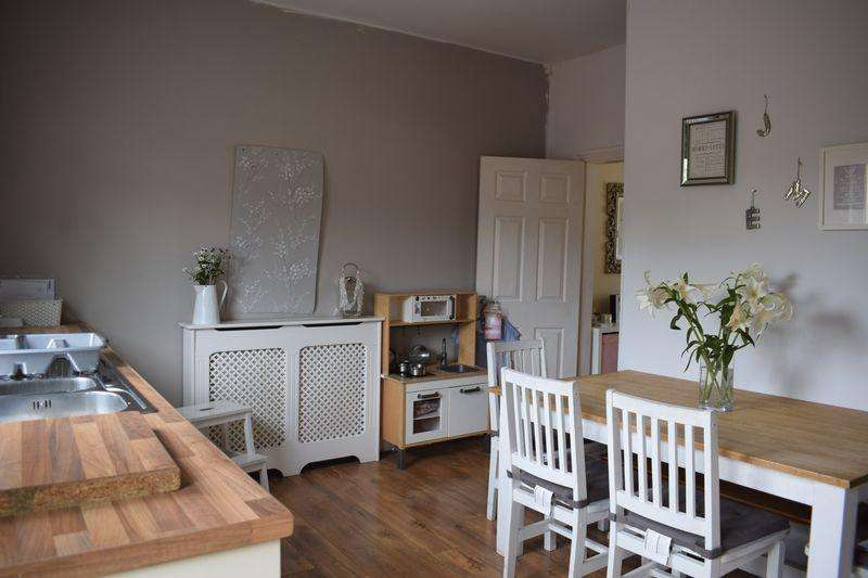 3 Bedrooms Terraced House for sale in Starkey Street, Heywood