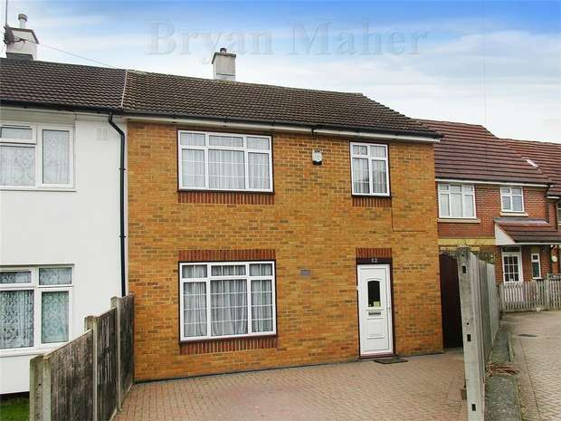 3 Bedrooms Semi Detached House for sale in Shakespeare Drive, HARROW