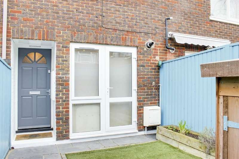 2 Bedrooms Terraced House for sale in Grove House Road, Crouch End, London