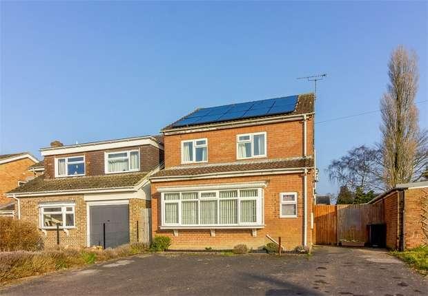 4 Bedrooms Detached House for sale in Webbs Way, Burbage, Marlborough, Wiltshire