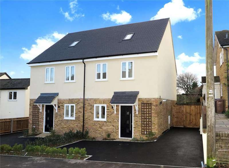 3 Bedrooms Semi Detached House for sale in Westwood Cottages, Alma Lane, Farnham, Surrey, GU9