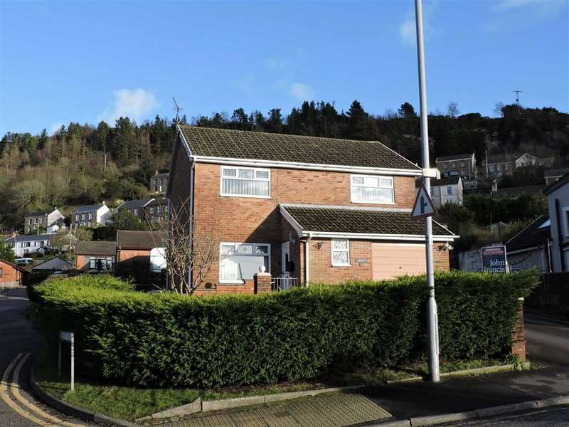 4 Bedrooms Detached House for sale in Bryn Golau, Alltwen