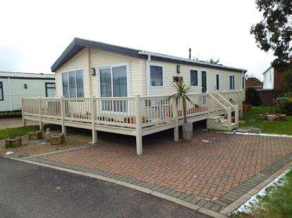 3 Bedrooms Mobile Home for sale in Clacton On Sea, Essex