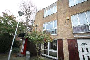 2 Bedrooms Maisonette Flat for sale in Turnpike Link, Croydon