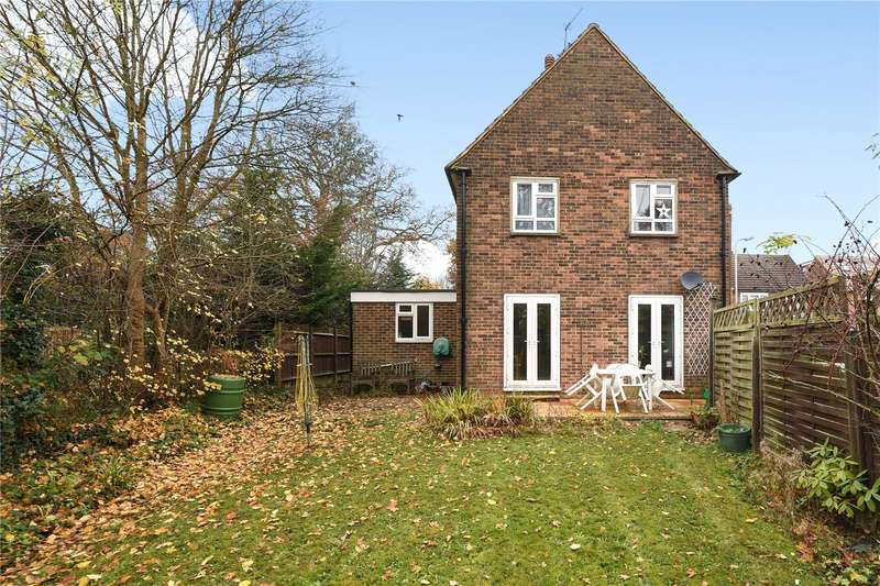 1 Bedroom Maisonette Flat for sale in River Close, Ruislip, Middlesex, HA4