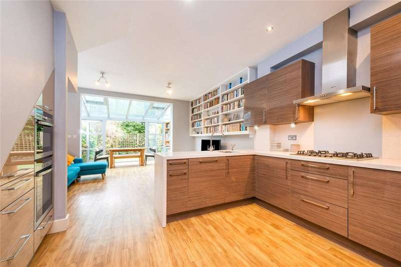 3 Bedrooms Terraced House for sale in Heaven Tree Close, Islington, London