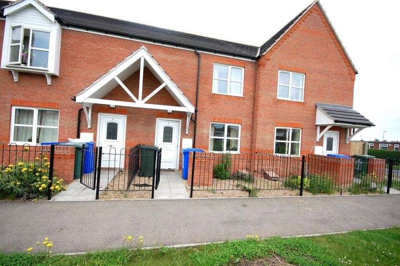 3 Bedrooms Terraced House for rent in St Botolphs Crescent, Boston