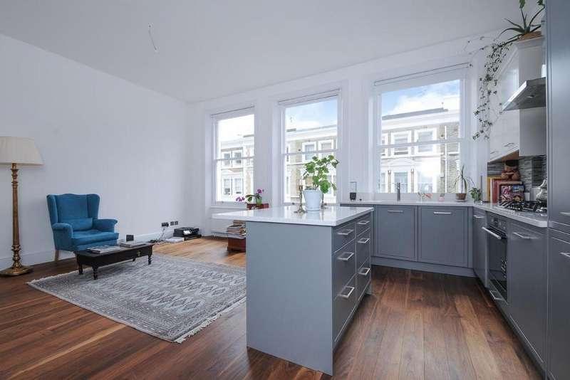 1 Bedroom Flat for sale in Castletown Road, West Kensington
