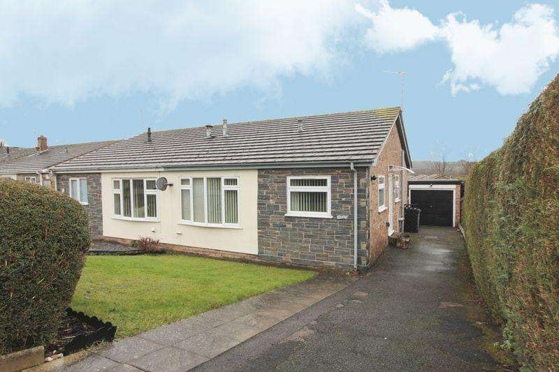 2 Bedrooms Semi Detached Bungalow for sale in Bishops Walk, St. Asaph