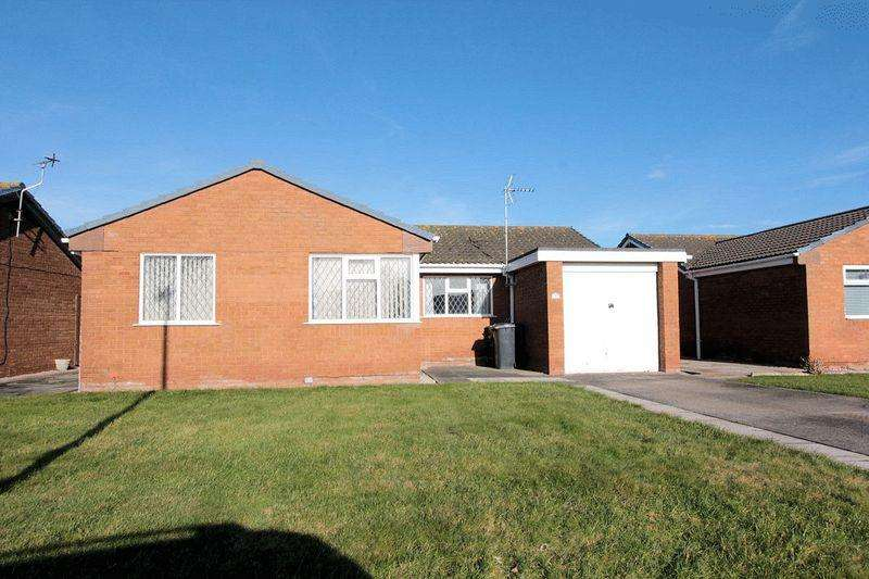 3 Bedrooms Detached Bungalow for sale in Oaklea, Kinmel Bay